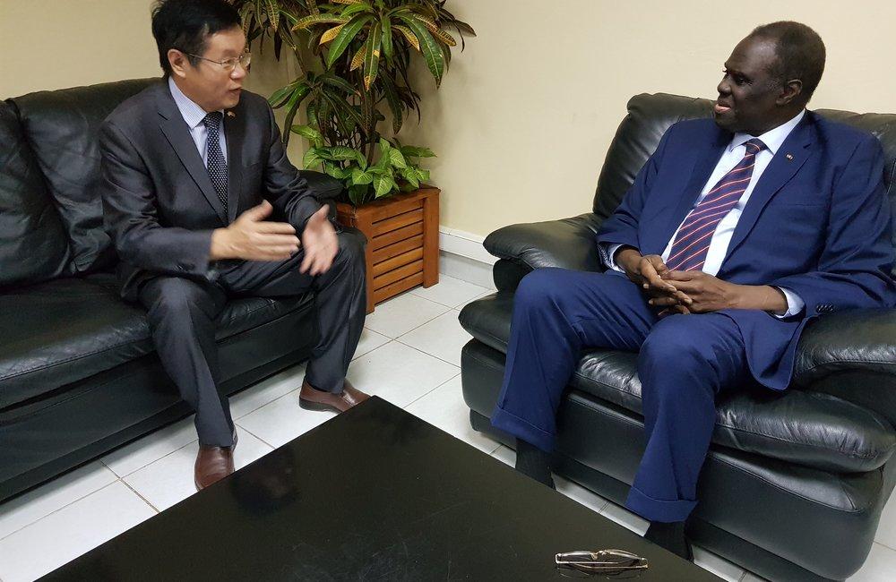 L'envoyé spécial Michel Kafando a rencontré l'ambassadeur de Chine au Burundi, le 10 septembre 2018. Photo: OSESG-B, N. Viban