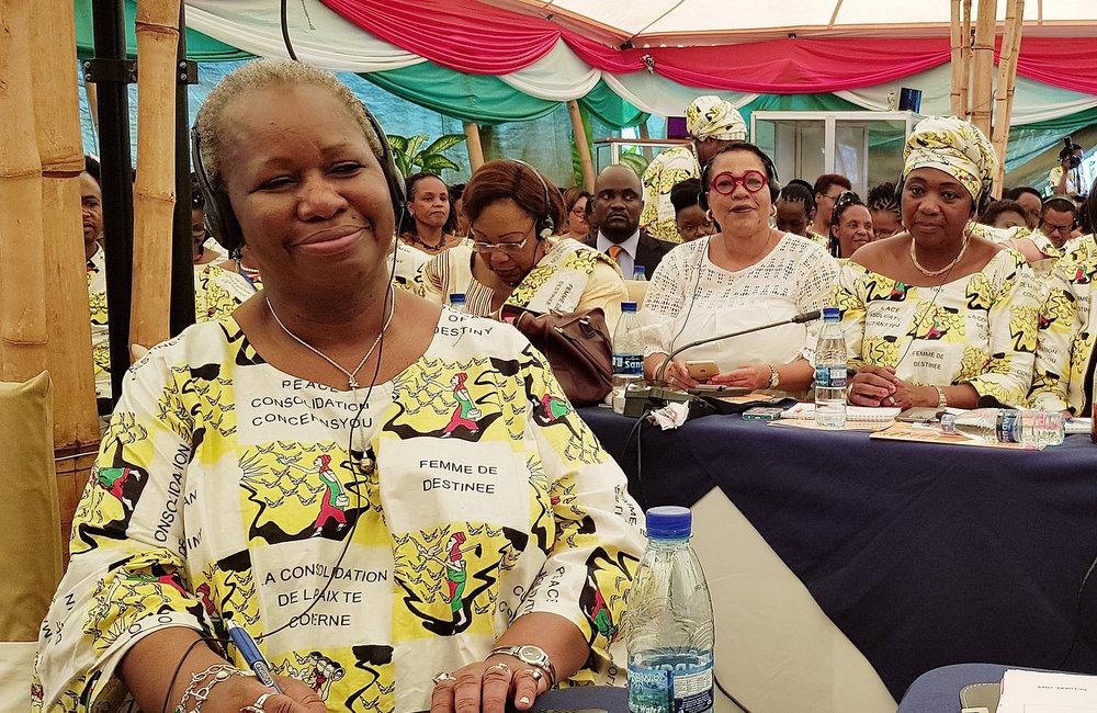 La secrétaire générale adjointe pour l'Afrique Bintou Keita et l'équipe de l'ONU à la conférence des femmes dirigeantes à Bujumbura, le 24 octobre 2019. Photo ONU/Napoleon Viban