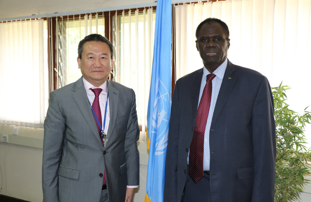 OSESG-GL Special Envoy Huang Xia (left) welcomes his counterpart of OSESG-B for their Nairobi working session on 26 Aug 2019. Photo: UN/E. Mesfin