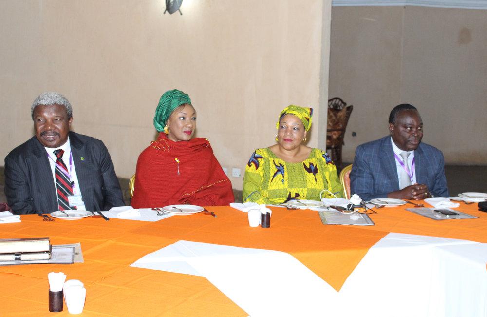 Vue partielle d'observateurs et de conseillers techniques lors de la 5ème série de discussions du dialogue inter-burundais à Arusha (Tanzanie) le 29 octobre 2018. Photo: OSESG-B, Kassimi Bamba