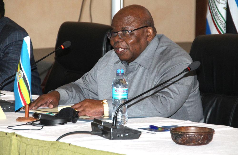 Former Tanzanian President Benjamin Mkapa, Facilitator of the Inter-Burundi Dialogue, launches the 5th round of the peace talks in Arusha, Tanzania, 26 Oct 2018. UN Photo/Kassimi Bamba