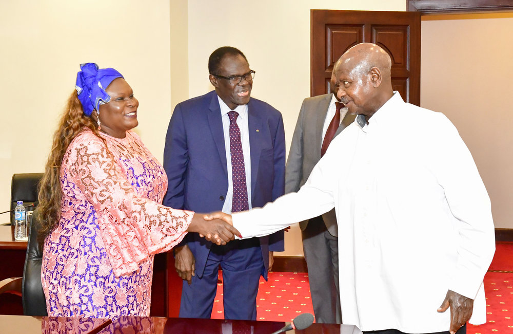 EAC Mediator of the Inter-Burundi Dialogue, President Yoweri Museveni of Uganda received Special Envoy Michel Kafando (centre), accompanied by Mme Rosa Malango, UN Resident Coordinator, 23 Aug 2019. Photo: UN/Elshaddai