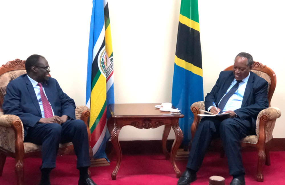 Special Envoy Michel Kafando in discussion with Tanzanian Minister of Foreign Affairs, Prof. Palamagamba Kabudi in Dar es Salaam, 15 May 2019. Photo: UN/Elshaddai Mesfin