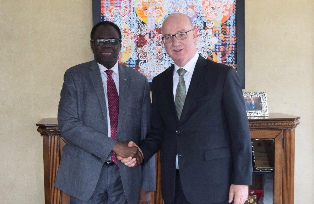 L'envoyé spécial, Michel Kafando, a rencontré Smail Chergui, Commissaire à la paix et la sécurité de l'Union africaine, à Addis-Abeba, le 13 mai 2019. Photo : UN/Elshaddai Mesfin