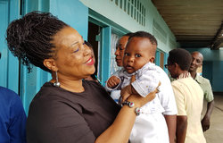OSESG-B director Yewande Odia and colleagues visit an orphanage in Bujumbura on 10 December 2018. UN Photo/Napoleon Viban